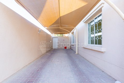 Villa in Mirdif, Dubai, UAE 4 bedrooms, 1300.6 sq.m. № 3308 - photo 7