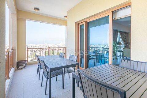 Apartment in Palm Jumeirah, Dubai, UAE 3 bedrooms, 376.5 sq.m. № 3574 - photo 16