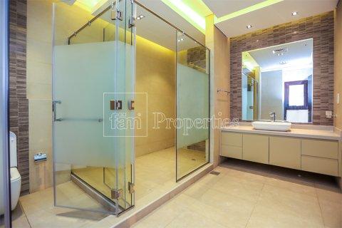 Villa in Dubai Land, Dubai, UAE 5 bedrooms, 641 sq.m. № 5052 - photo 10