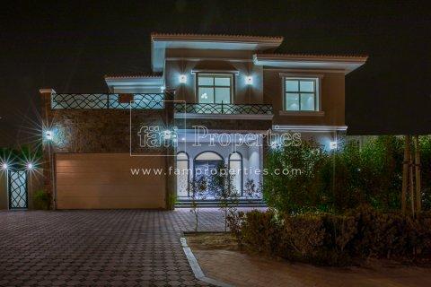 Villa in Dubai Land, Dubai, UAE 5 bedrooms, 678.2 sq.m. № 5106 - photo 9