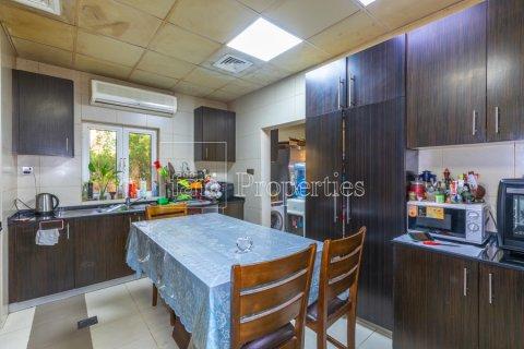Villa in Dubai Land, Dubai, UAE 5 bedrooms, 550.7 sq.m. № 3848 - photo 8