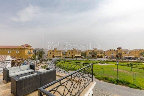Villa in Dubai Land, Dubai, UAE 4 bedrooms, 557.4 sq.m. № 5189 - photo 5