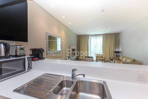 Apartment in Business Bay, Dubai, UAE 1 bedroom, 66.8 sq.m. № 4949 - photo 18