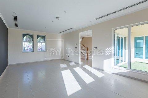 Villa in Jumeirah, Dubai, UAE 3 bedrooms, 826.6 sq.m. № 3417 - photo 10