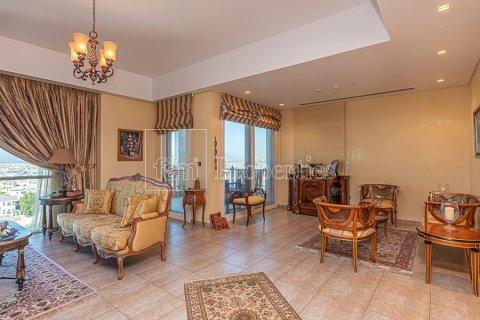 Apartment in Palm Jumeirah, Dubai, UAE 3 bedrooms, 376.5 sq.m. № 3574 - photo 12