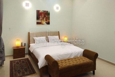 Villa in Emirates Hills, Dubai, UAE 7 bedrooms, 1723.6 sq.m. № 3674 - photo 9