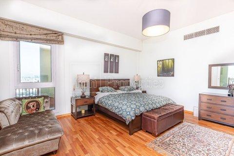 Apartment in Palm Jumeirah, Dubai, UAE 3 bedrooms, 376.5 sq.m. № 3574 - photo 22