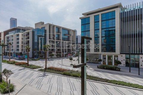 Apartment in Jumeirah, Dubai, UAE 3 bedrooms, 215.2 sq.m. № 4760 - photo 11