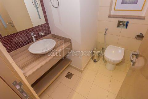 Apartment in Business Bay, Dubai, UAE 2 bedrooms, 128.9 sq.m. № 4861 - photo 15