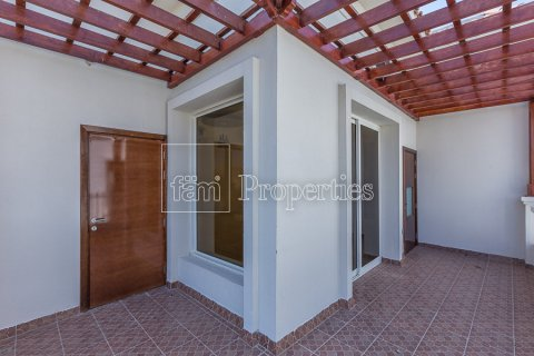 Villa in Dubai Land, Dubai, UAE 4 bedrooms, 557.4 sq.m. № 4774 - photo 26