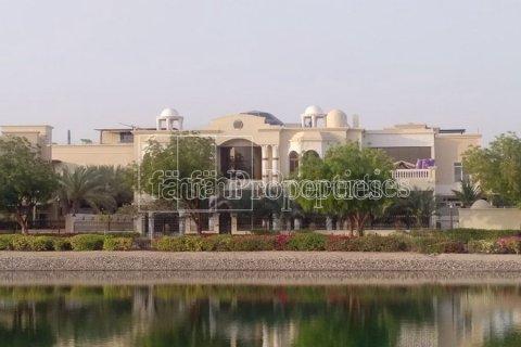 Villa in Emirates Hills, Dubai, UAE 7 bedrooms, 1723.6 sq.m. № 3674 - photo 10
