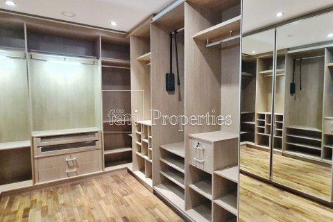 Apartment in Dubai Marina, Dubai, UAE 4 bedrooms, 566.6 sq.m. № 3397 - photo 21