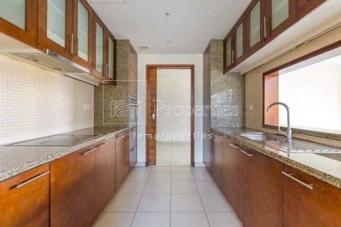 Apartment in Downtown Dubai (Downtown Burj Dubai), Dubai, UAE 2 bedrooms, 156 sq.m. № 3867 - photo 7