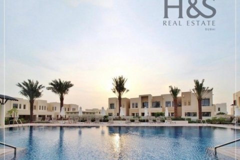 Townhouse in Reem, Dubai, UAE 4 bedrooms, 237 sq.m. № 2801 - photo 11