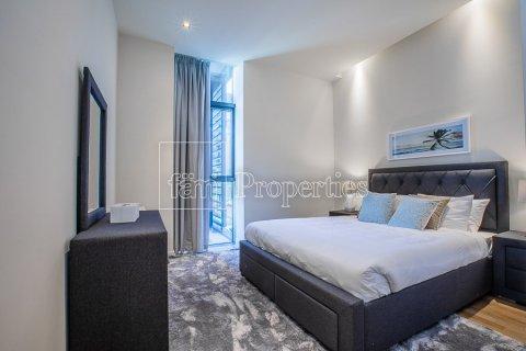 Apartment in Jumeirah, Dubai, UAE 3 bedrooms, 174.7 sq.m. № 4230 - photo 3