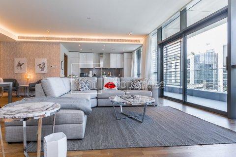 Apartment in Jumeirah, Dubai, UAE 3 bedrooms, 174.7 sq.m. № 4230 - photo 1