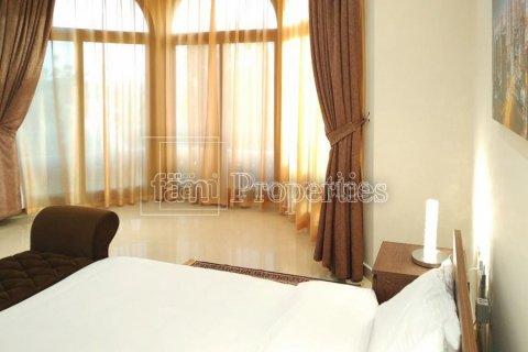 Villa in Emirates Hills, Dubai, UAE 7 bedrooms, 1723.6 sq.m. № 3674 - photo 11
