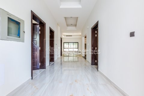 Villa in Dubai Land, Dubai, UAE 5 bedrooms, 534.2 sq.m. № 4776 - photo 8