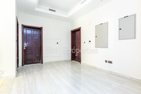 Villa in Dubai Land, Dubai, UAE 5 bedrooms, 534.2 sq.m. № 4776 - photo 4