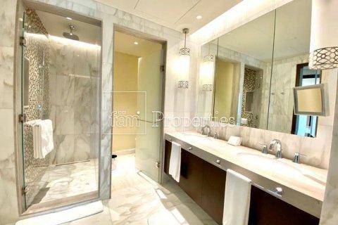 Apartment in Downtown Dubai (Downtown Burj Dubai), Dubai, UAE 4 bedrooms, 251.2 sq.m. № 5507 - photo 17