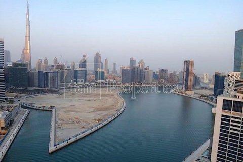Apartment in Business Bay, Dubai, UAE 37.9 sq.m. № 3304 - photo 1