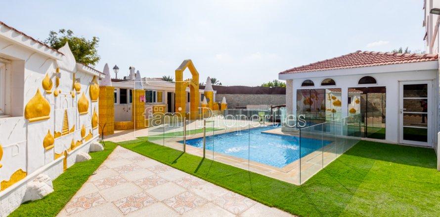 Villa in Dubai Land, Dubai, UAE 8 bedrooms, 1333.3 sq.m. № 3711