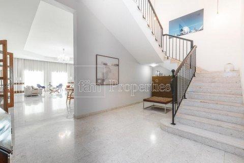 Villa in Dubai Land, Dubai, UAE 5 bedrooms, 594.6 sq.m. № 5146 - photo 7