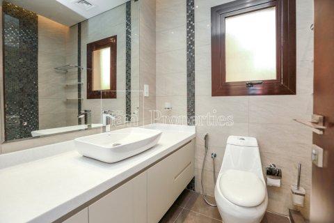 Villa in Dubai Land, Dubai, UAE 5 bedrooms, 641 sq.m. № 5052 - photo 22