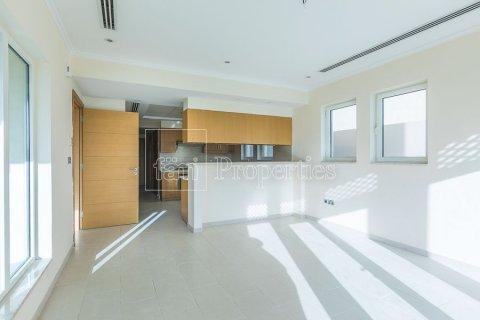 Villa in Jumeirah, Dubai, UAE 3 bedrooms, 826.6 sq.m. № 3417 - photo 12