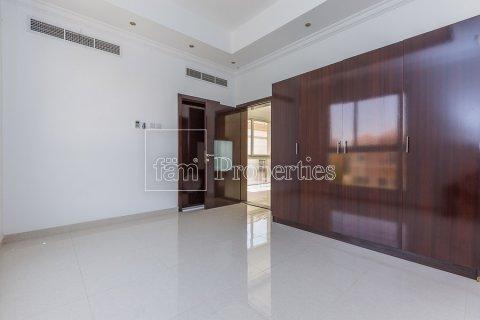 Villa in Dubai Land, Dubai, UAE 4 bedrooms, 557.4 sq.m. № 4774 - photo 21