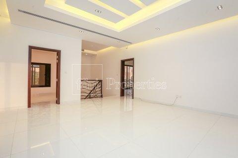 Villa in Dubai Land, Dubai, UAE 5 bedrooms, 641 sq.m. № 5052 - photo 13
