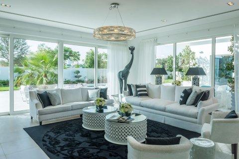 Villa in Al Barari, Dubai, UAE 6 bedrooms, 833.8 sq.m. № 3306 - photo 17