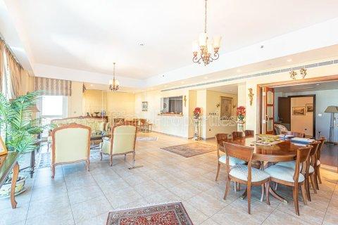 Apartment in Palm Jumeirah, Dubai, UAE 3 bedrooms, 376.5 sq.m. № 3574 - photo 7