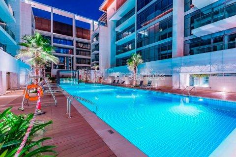 Apartment in Jumeirah, Dubai, UAE 3 bedrooms, 219.1 sq.m. № 4848 - photo 9