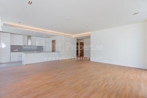 Apartment in Jumeirah, Dubai, UAE 3 bedrooms, 204.2 sq.m. № 5280 - photo 9