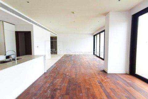 Apartment in Jumeirah, Dubai, UAE 3 bedrooms, 215.8 sq.m. № 4676 - photo 3
