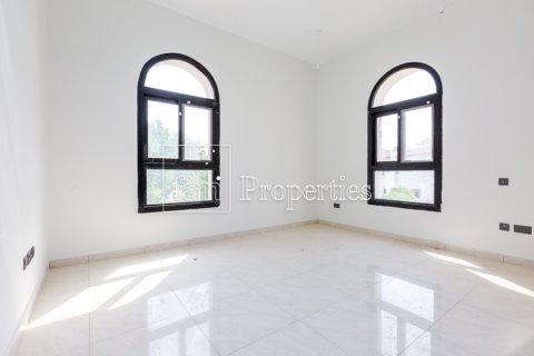 Villa in Dubai Land, Dubai, UAE 5 bedrooms, 534.2 sq.m. № 4776 - photo 6