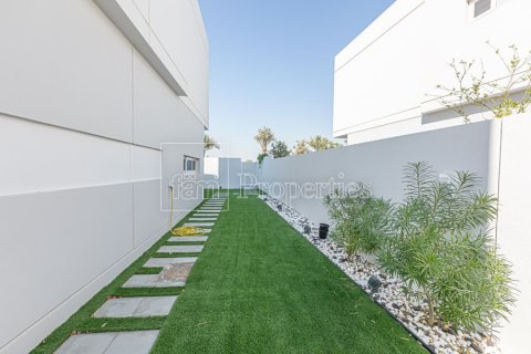 Townhouse in Dubai Land, Dubai, UAE 3 bedrooms, 204.4 sq.m. № 3281 - photo 14