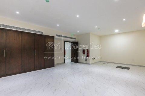 Villa in Dubai Land, Dubai, UAE 6 bedrooms, 947.6 sq.m. № 5045 - photo 6