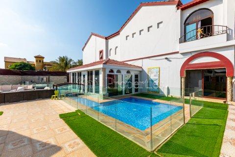 Villa in Dubai Land, Dubai, UAE 8 bedrooms, 1333.3 sq.m. № 3711 - photo 3