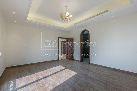 Villa in Dubai Land, Dubai, UAE 6 bedrooms, 947.6 sq.m. № 5045 - photo 7