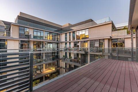 Duplex in Jumeirah, Dubai, UAE 4 bedrooms, 272.7 sq.m. № 4662 - photo 5