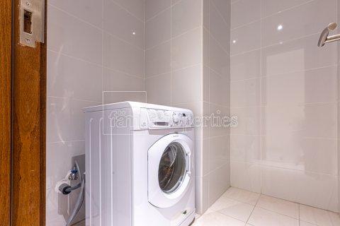 Apartment in Business Bay, Dubai, UAE 2 bedrooms, 126.3 sq.m. № 3680 - photo 14