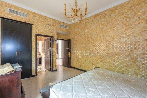 Villa in Dubai Land, Dubai, UAE 6 bedrooms, 1254.2 sq.m. № 5196 - photo 21