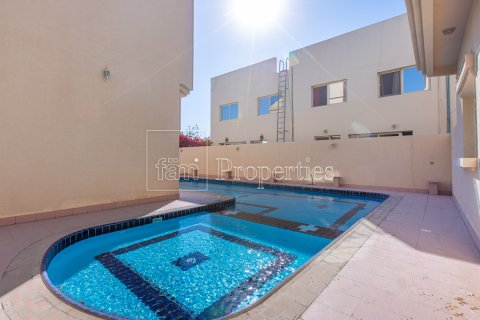 Villa in Mirdif, Dubai, UAE 4 bedrooms, 1300.6 sq.m. № 3308 - photo 10