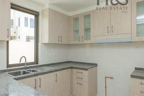 Townhouse in Reem, Dubai, UAE 4 bedrooms, 237 sq.m. № 2801 - photo 3