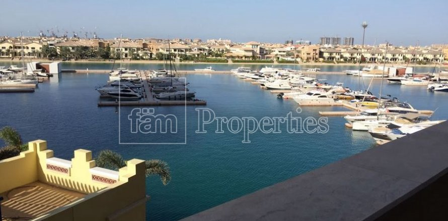 Apartment in Palm Jumeirah, Dubai, UAE 2 bedrooms, 189.2 sq.m. № 3288