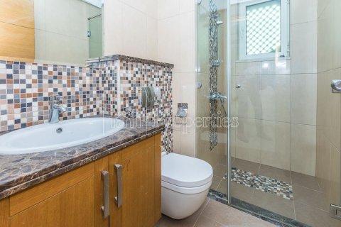 Villa in Jumeirah, Dubai, UAE 3 bedrooms, 826.6 sq.m. № 3417 - photo 24