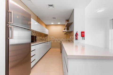 Apartment in Business Bay, Dubai, UAE 2 bedrooms, 126.3 sq.m. № 5446 - photo 7