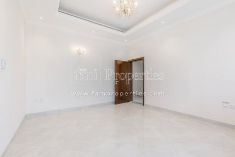 Villa in Dubai Land, Dubai, UAE 5 bedrooms, 603.9 sq.m. № 5194 - photo 5